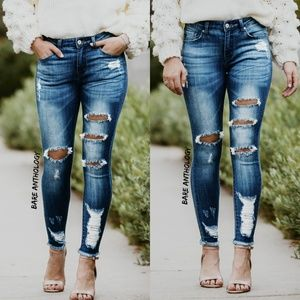 Distressed Kancan Ankle Skinny Jeans